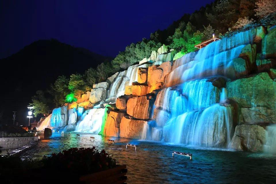 太白山国际旅游度假区的夜晚