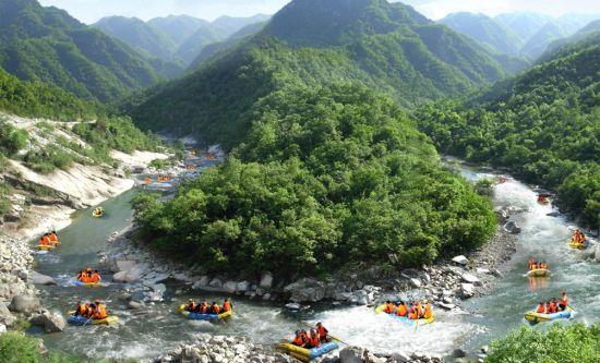 峡谷漂流 图片来源于百分百图片分享网
