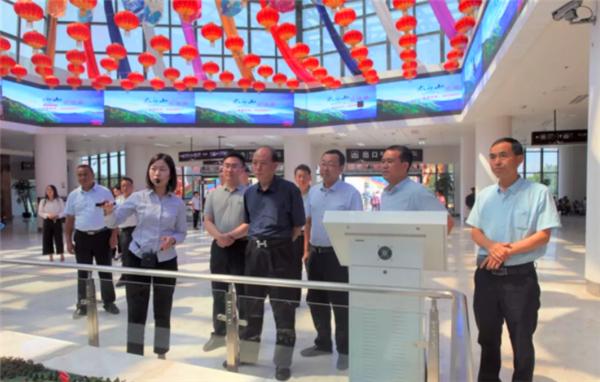 省文化和旅游厅莅临游客中心验收省级旅游示范县创建工作
