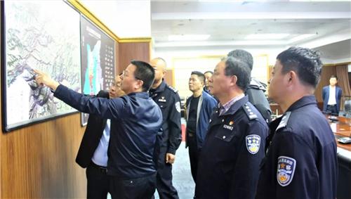 省公安厅治安管理局局长李宗社莅临太白山检查安全工作